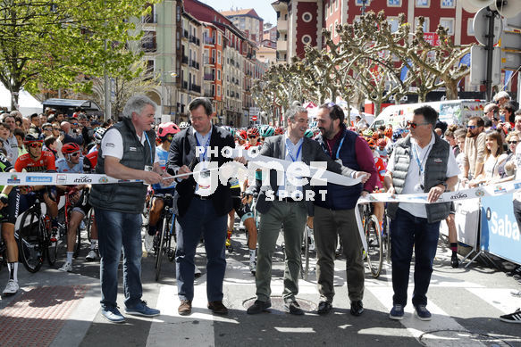 Cycling: Itzulia / Vuelta a País Vasco / Tour Basque Country / Stage 6 / Etapa 6<BR>DESCRIPTION / DESCRIPCION / Star Salida/<BR>Eibar - Eibar (118,2 Km)  13-04-2019 / Tour Basque Country / Luis Angel Gomez ©PHOTOGOMEZSPORT2019